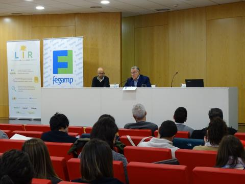 O presidente da Fegamp, Alfredo García, presentando a xornada sobre a fiscalidade na xestión dos residuos municipais